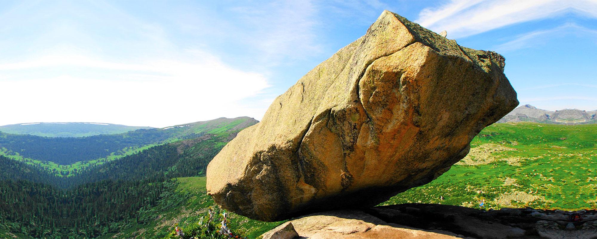 Маршрут на висячий камень